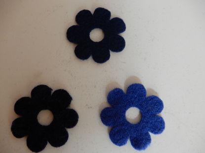 Bild von Filzblumen blau gemischt 28 Stück
